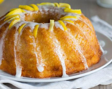 Italian Bundt Cake with Lemon