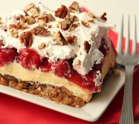 Cherry Éclair Cake (10-Minute Dessert)