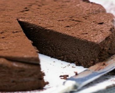 2-Ingredient Moist Chocolate Cake