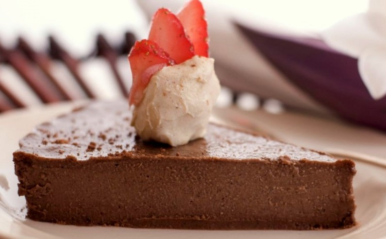 Creamy French Silk Chocolate Pie