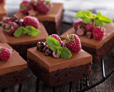 Fluffy Chocolate Mousse Brownies (20-Minutes Recipe)