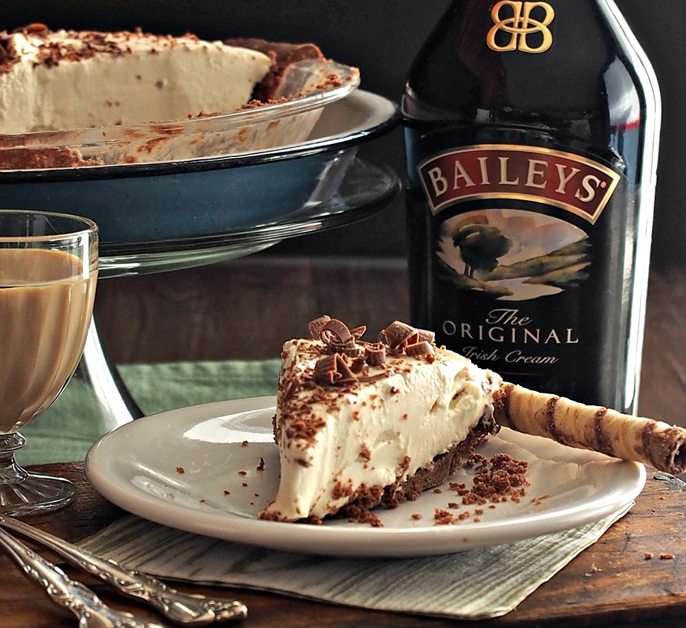Baileys Dream Pie (15-Minutes Recipe)