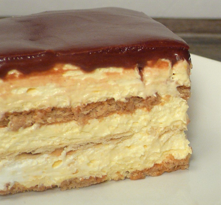 No-Bake Eclair Cake Recipe